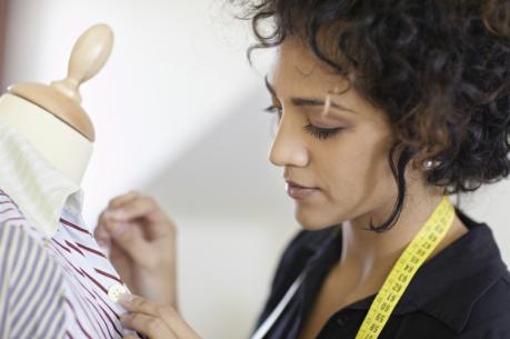 Beruf & Ausbildung Maßschneiderin - Trachtenscheiderin - Damenschneiderin